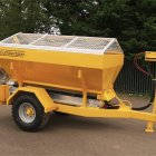 1.6m or 2.5m Towed Spreader